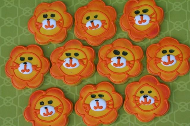 lion cookies3178