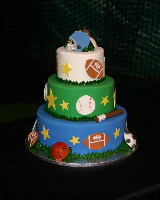 sports tiered cake3473