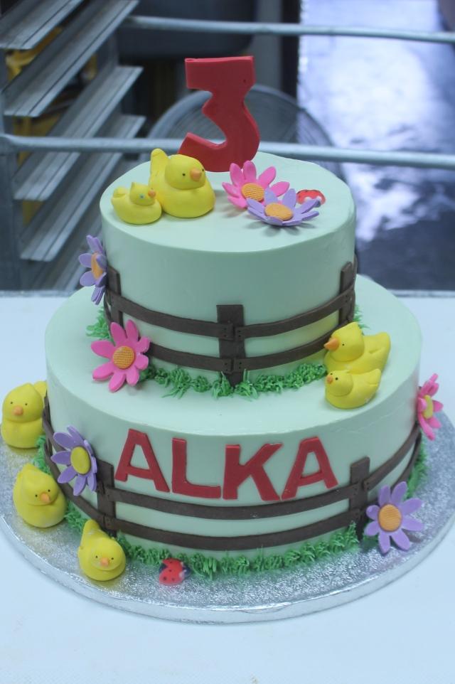 8140farm cake4-4-15